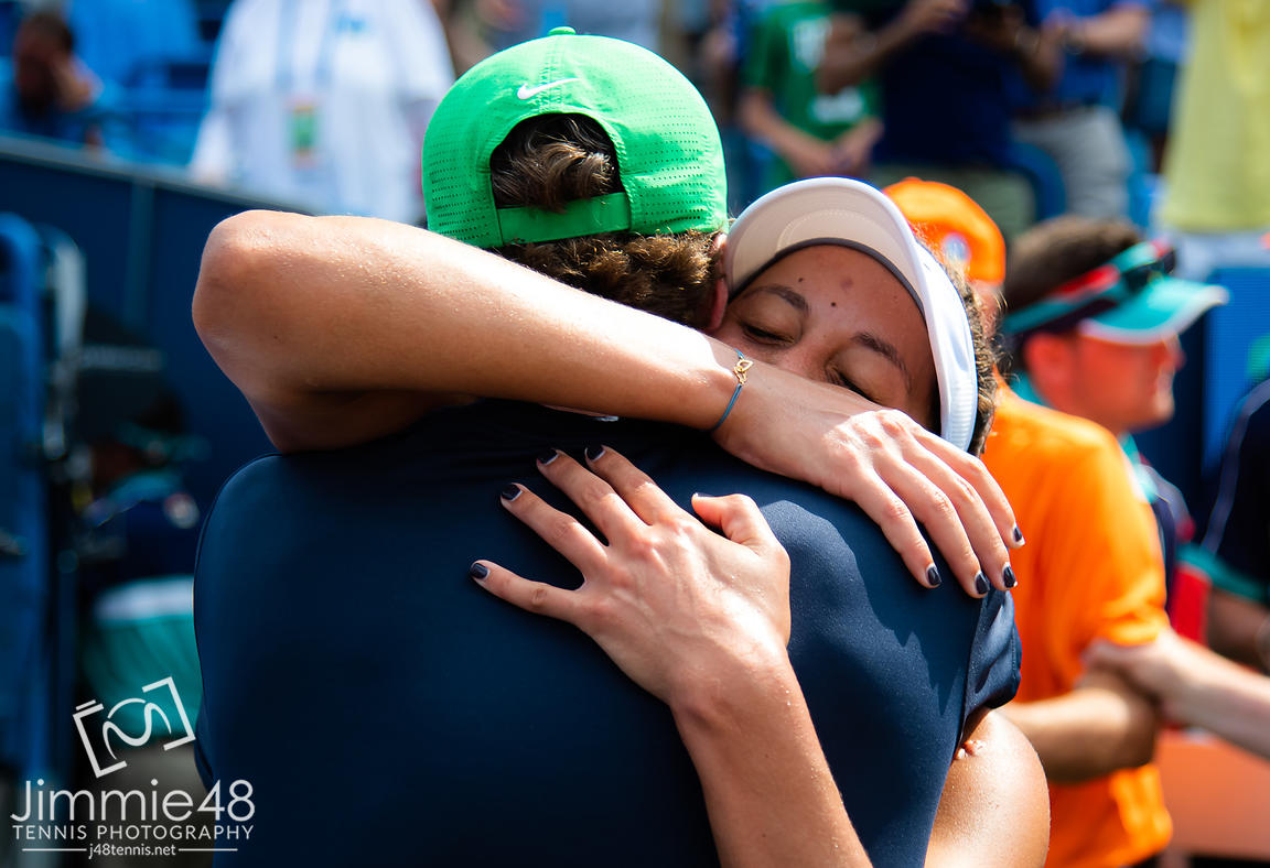 Madison Keys of the United States hugs coach Juan Todero after winning the final of the 2019 Western & Southern Open WTA Premier Tennis 5 Tournament